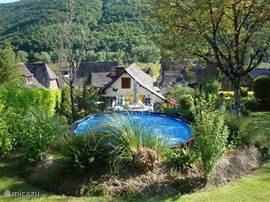 SAINT PARTHEM – LES PLACETTES  In vakantiehuis LES PLACETTES      is het echt genieten van privacy en rust met privé zwembad.
