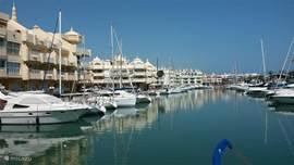 Puerto Marina. Uitgeroepen tot Europa's mooiste jachthaven !!