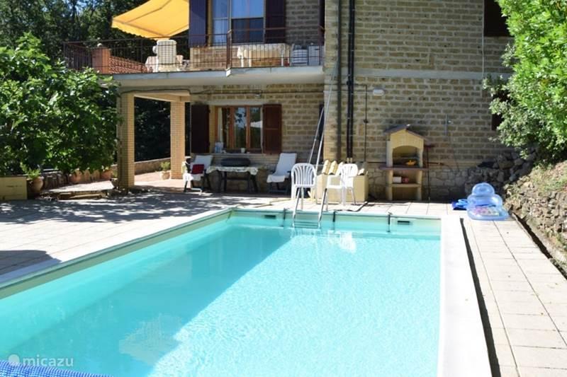 Vakantiehuis Italië, Umbrië, Bettona Villa Mooie vakantiewoning met zwembad