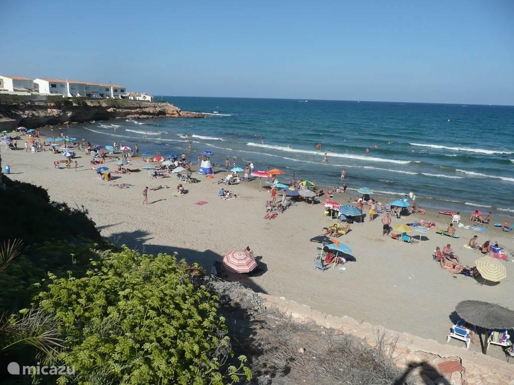 Playa La Zenia en Playa Flamenca liggen op loopafstand (2000m), deelgebied Costa Orihuela aan de Costa Blanca Spanje. 300 zonnige dagen per jaar!