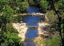 Zwemmen in de rivier bij Coja
