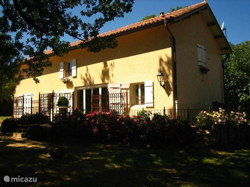 Vacation rental France, Midi-Pyrenees, Panjas Holiday house Mousquey