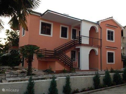 Vakantiehuis Kroatië, Istrië – appartement Appartement Luna met zwembad