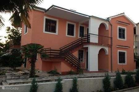 Vakantiehuis Kroatië – appartement App. Luna met WiFi airco en zwembad