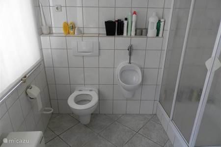 Vakantiehuis in wallenborn eifel duitsland huren - Wasgoed in de badkamer ...