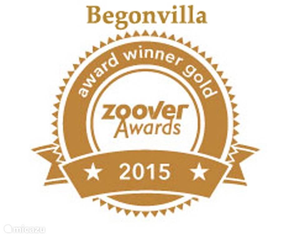 Hartelijk bedankt aan al onze gasten, want het is dankzij jullie beoordelingen dat we de 'Zoover Gold Award 2015' wonnen dit jaar!  We zijn er hartstikke fier op :-)
