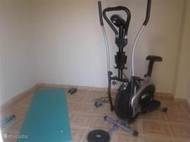 Een beetje sportief blijven tijdens uw vakantie? Uw eigen privé fitnessruimte met zeezicht waar u kan gebruik maken van: een crosstrainer, fitnessmat, sprinkoord, gewichten en halters.