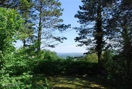 Het uitzicht over het dal vanaf de voorkant van het huis.