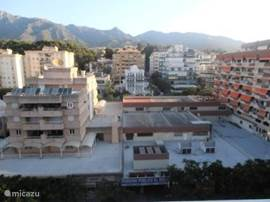 uitzicht vanaf de straatkant van het huis ,Sierra Blanca