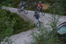 Mounatainbikes gratis bij de woning.