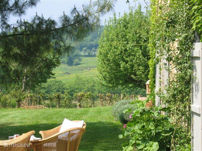 Vacation rental France, Burgundy, Arquian Holiday house Biron Le Blanc