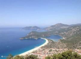 Oludeniz uitzicht vanuit de berg Babadag