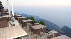 prachtige uitzicht vanuit Babadag  cafe zirve