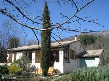 Vacation rental France, Ardèche, Joannas holiday house Justamont