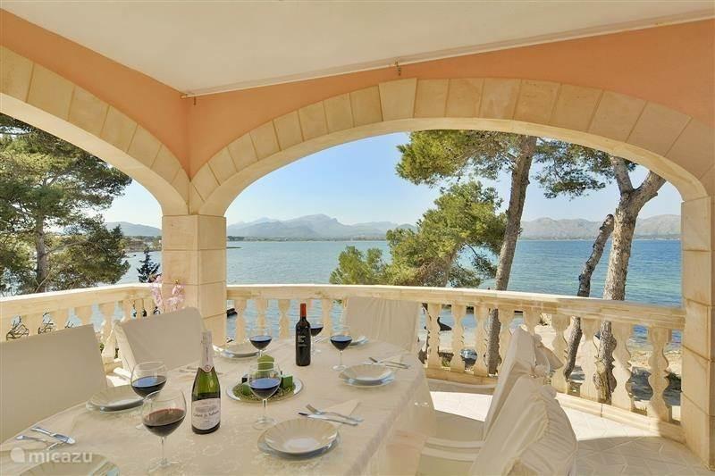 Vakantiehuis Spanje, Mallorca, Alcudia penthouse Luxe appartement, direct aan zee!
