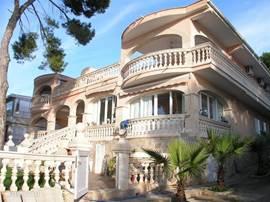 Prachtig gelegen penthouse, direkt aan de middelandse zee!