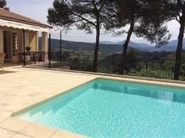 Villa Les Trois Pins met uitzicht op de Mont Ventoux