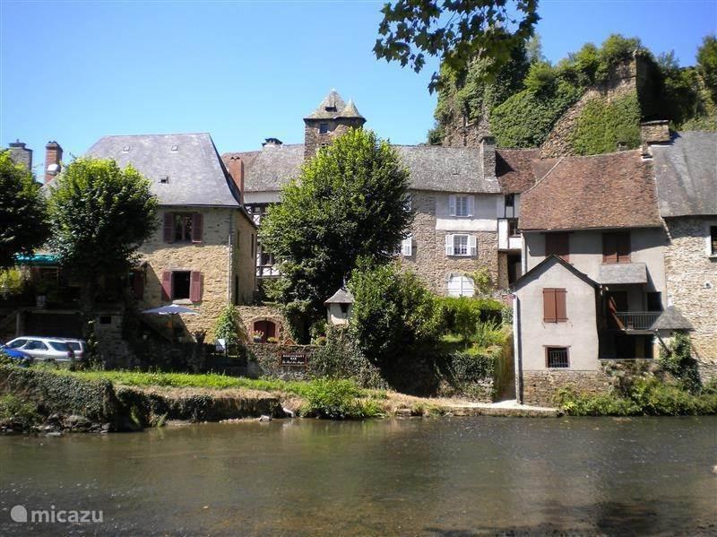 Ségur-le-Château, een van de mooiste dorpjes in Frankrijk.