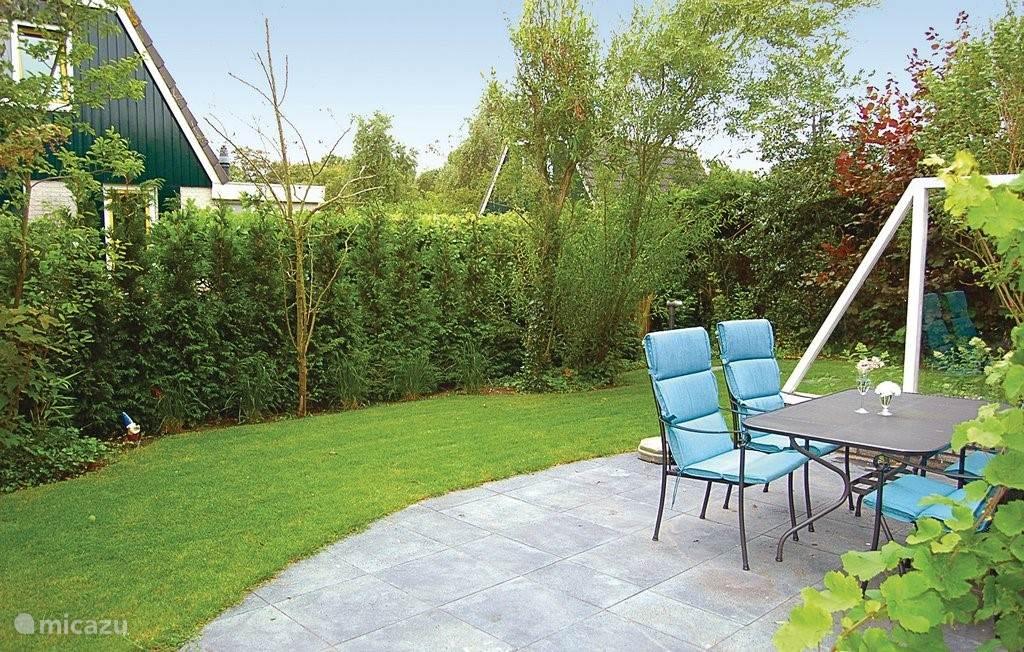 Tuin rondom, met zeer veel privacy