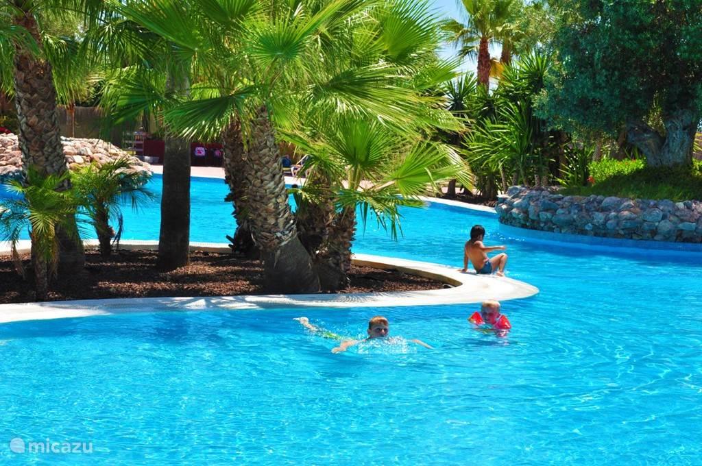 Gemeenschappelijk zwembad op het resort