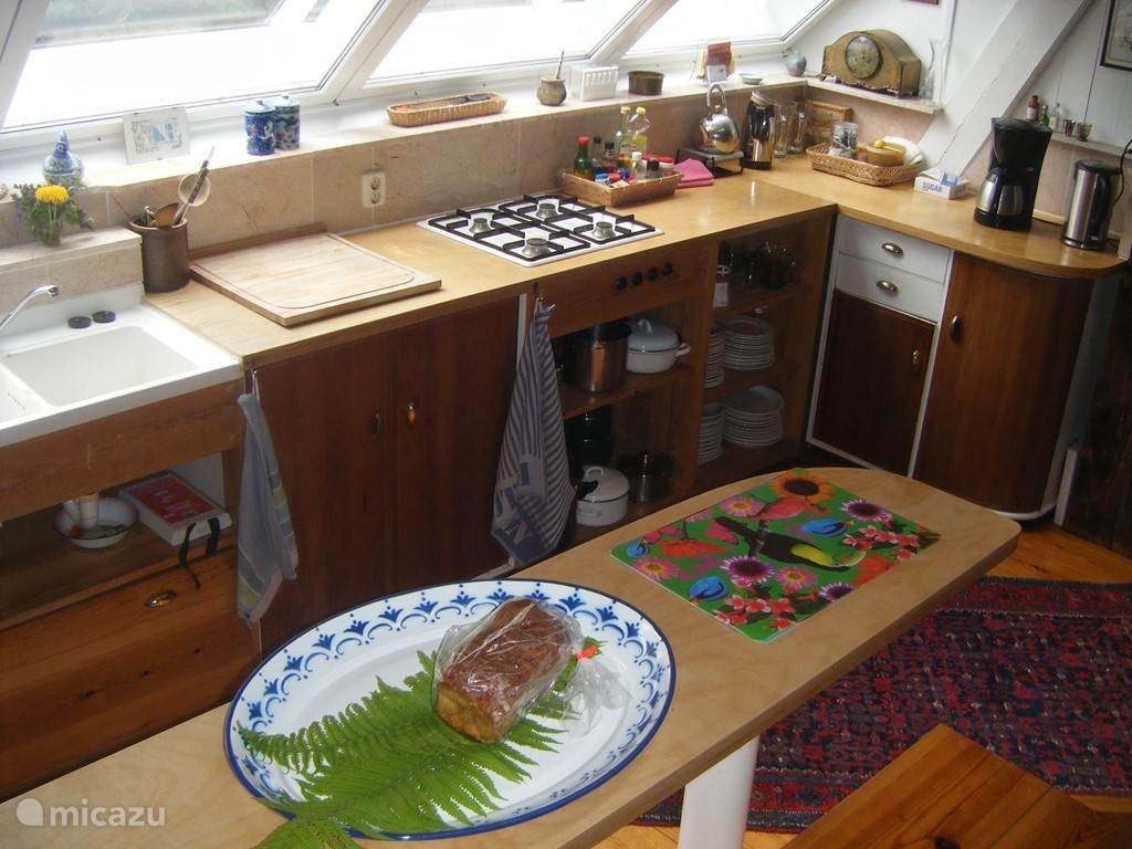 Overzicht vanuit het zitgedeelte van de woonkeuken