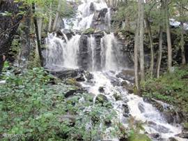De waterval van Ramhulta op 20 km afstand.