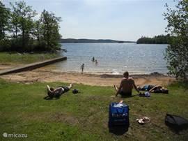 Lekker zwemmen en ontspannen bij een van de vele meertjes in de buurt