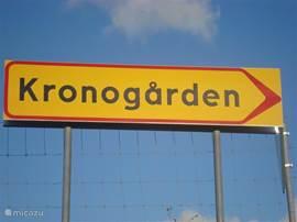 Het bord langs de weg, zodat u heel gemakkelijk uw vakantiebestemming vindt.