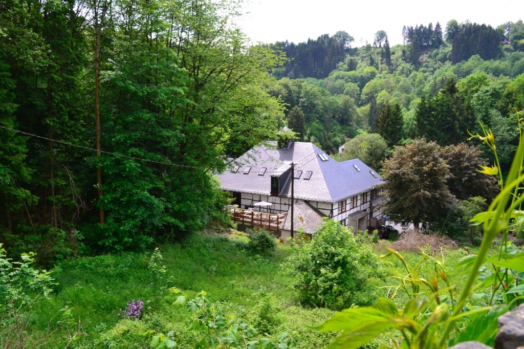 ...toch nog even snel er tussenuit met uw familie of vriendengroep?...20% korting op de huur voor een verblijf van minstens 2 nachten in de Eifel