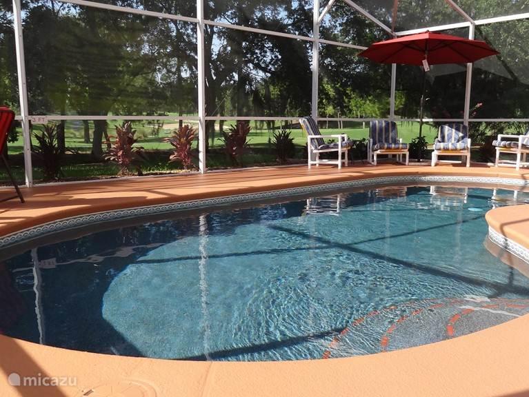 Het zwembad is in 2014 geheel gerenoveerd.