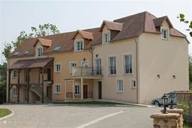 "A very nice apartment ""Le Hara 'located in the urbanization Village du Haut Val on Belleme Golf Resort. Practical and attractively decorated. All floor and easily accessible."