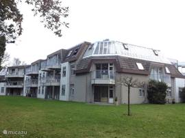 Het Appartementen complex met prachtig uitzicht over het Texelse bos. Genieten van rust en ruimte.
