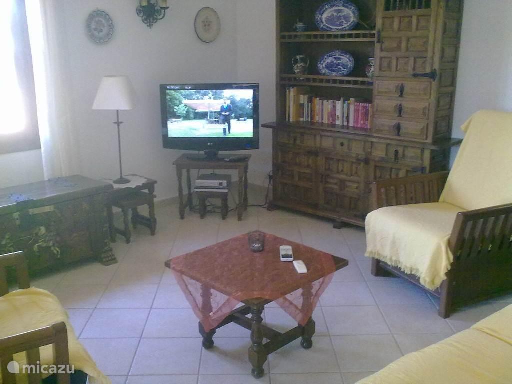 Koele huiskamer met airco