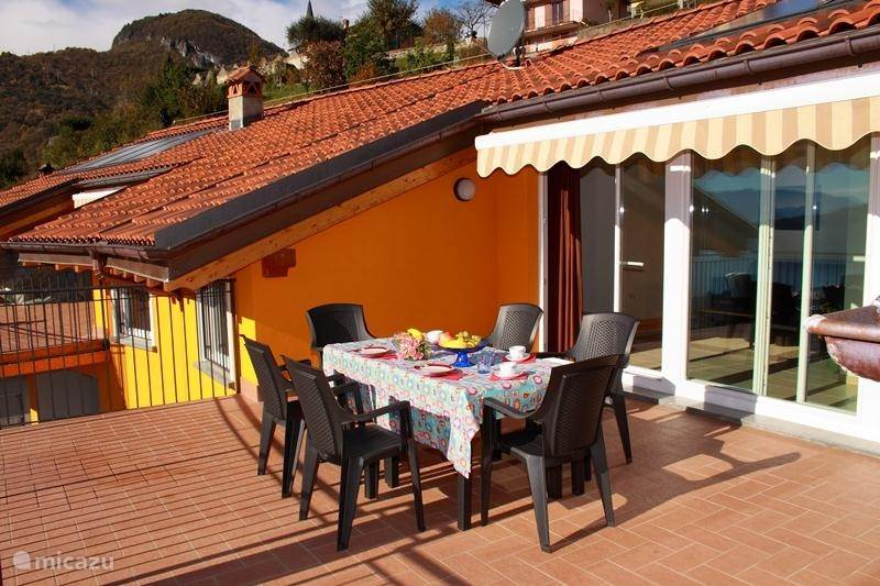 Vacation rental Italy, Lake Como, Domaso Apartment Candida residence rooftop pool