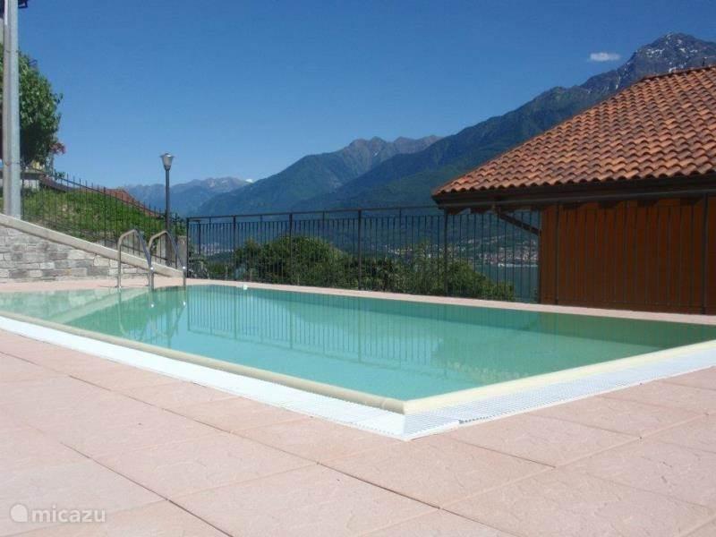 Zwembad Op Dakterras : Residence candida dakterras zwembad in domaso comomeer huren
