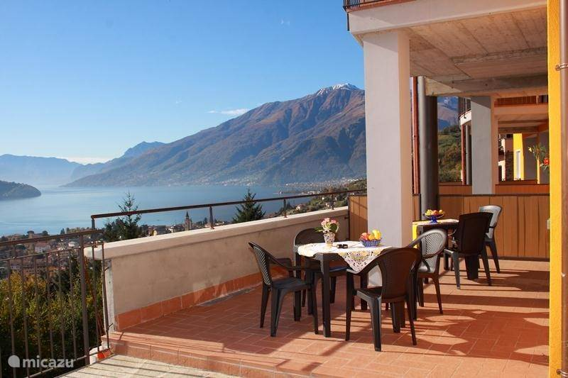Vacation rental Italy, Lake Como, Domaso - apartment Candida residence with swimming pool