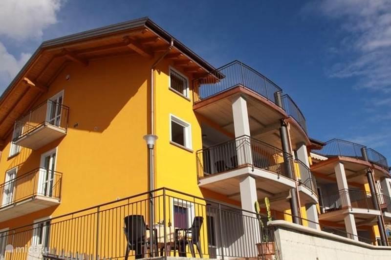 Vakantiehuis Italië, Comomeer, Domaso Appartement Residence Candida met zwembad