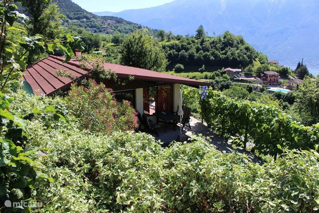 Huisje C9 op vakantiepark Villaggio di Sunclass, Tignale, Gardameer