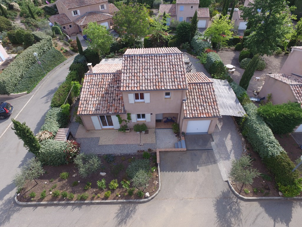 NU 15% korting in de periode za 23/06 - za 14/07.Luxe vrijstaande 6 persoonsvilla in de Provence, Nans les Pins. Verblijf minimaal 7 nachten,   .