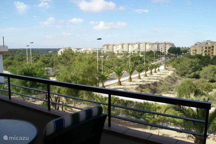 Uitzicht vanaf balkon.
