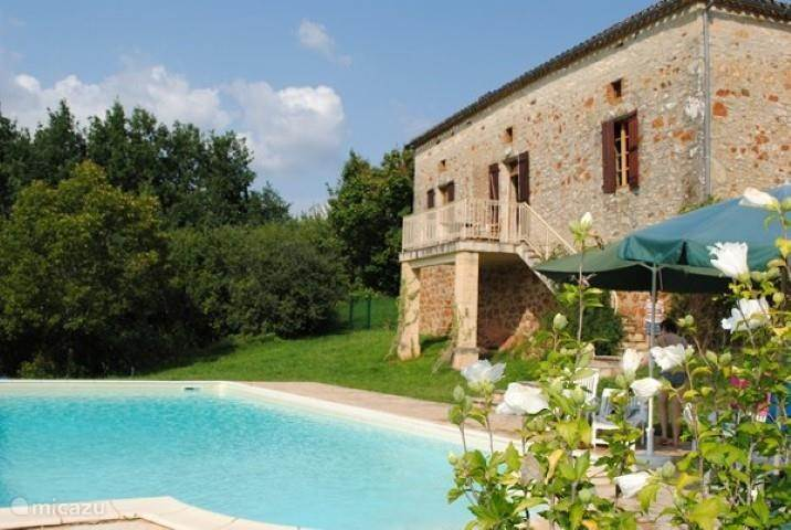 Vacation rental France, Lot, Prayssac holiday house Corneille