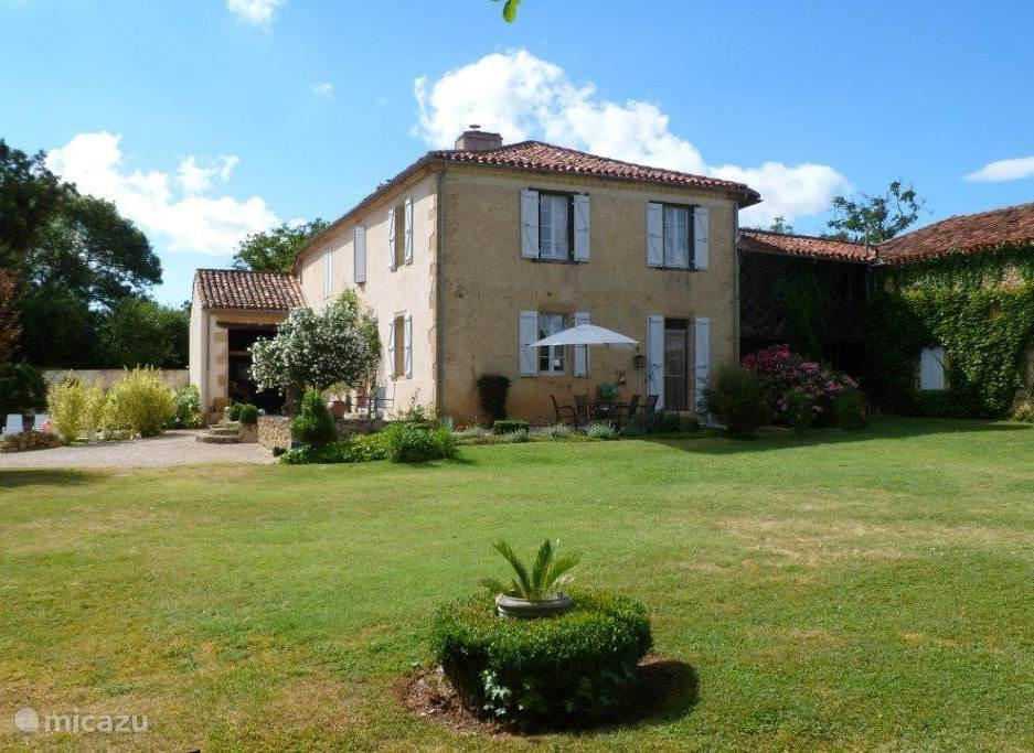 Vacation rental France, Gers, Moncorneil Grazan holiday house Lasserre in the sunny Gers to 5 pers