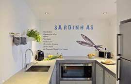 Moderne keuken, van alle gemakken voorzien.