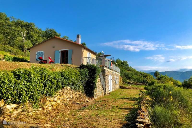 Vakantiehuis Italië, Ligurië, Dolcedo Vakantiehuis Casa Riva Gruppo Italia