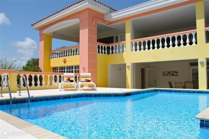 Vacation rental Curacao, Banda Abou (West), Cas Abou holiday house Villa on Curacao Sea