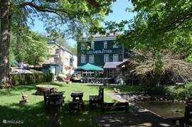 Here you can see our accommodation and a large part of the garden.