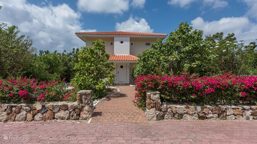 Rent las verandas in coral estate rif st marie banda abou