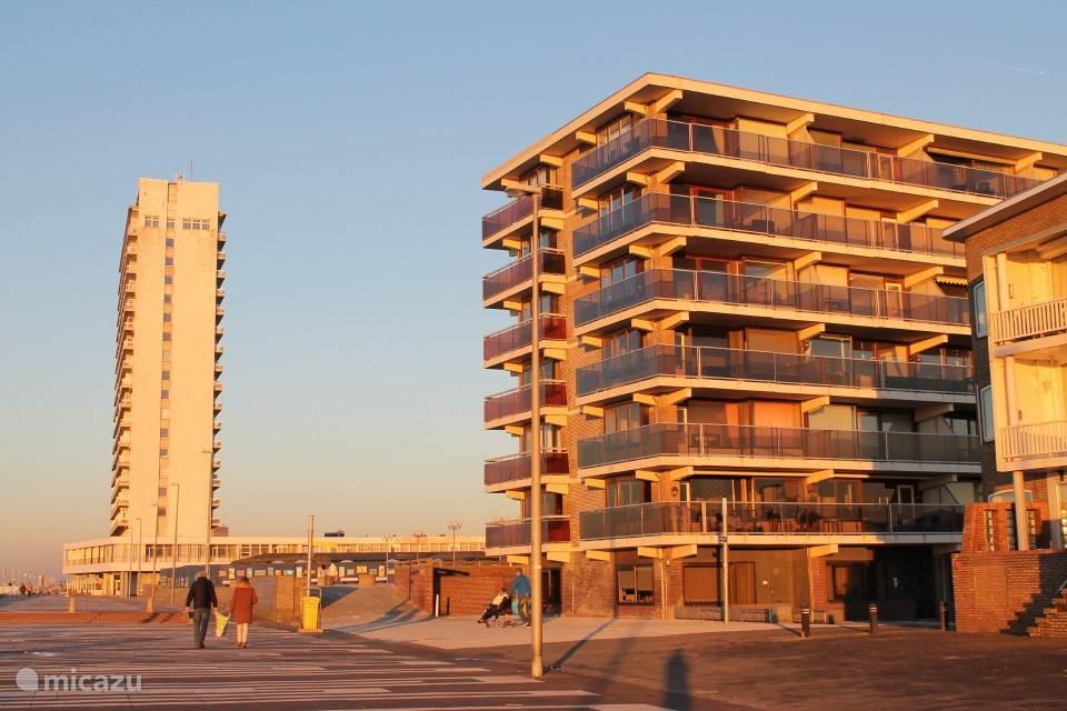 Foto van het flatgebouw op de boulevard