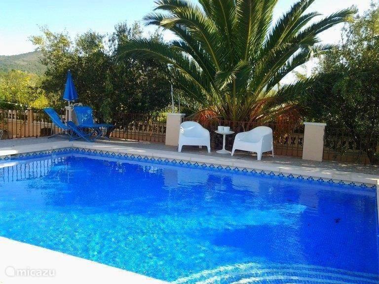 Vakantiehuis Spanje, Costa Blanca, Onil vakantiehuis Casa Olyves  met verwarmd zwembad