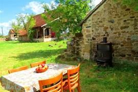 BBQ-plek achterin de tuin